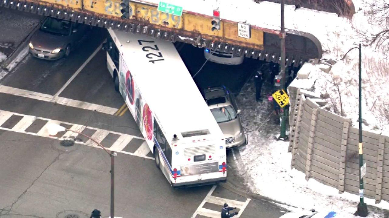 4 in custody after SUV crashes into CTA bus on South Side