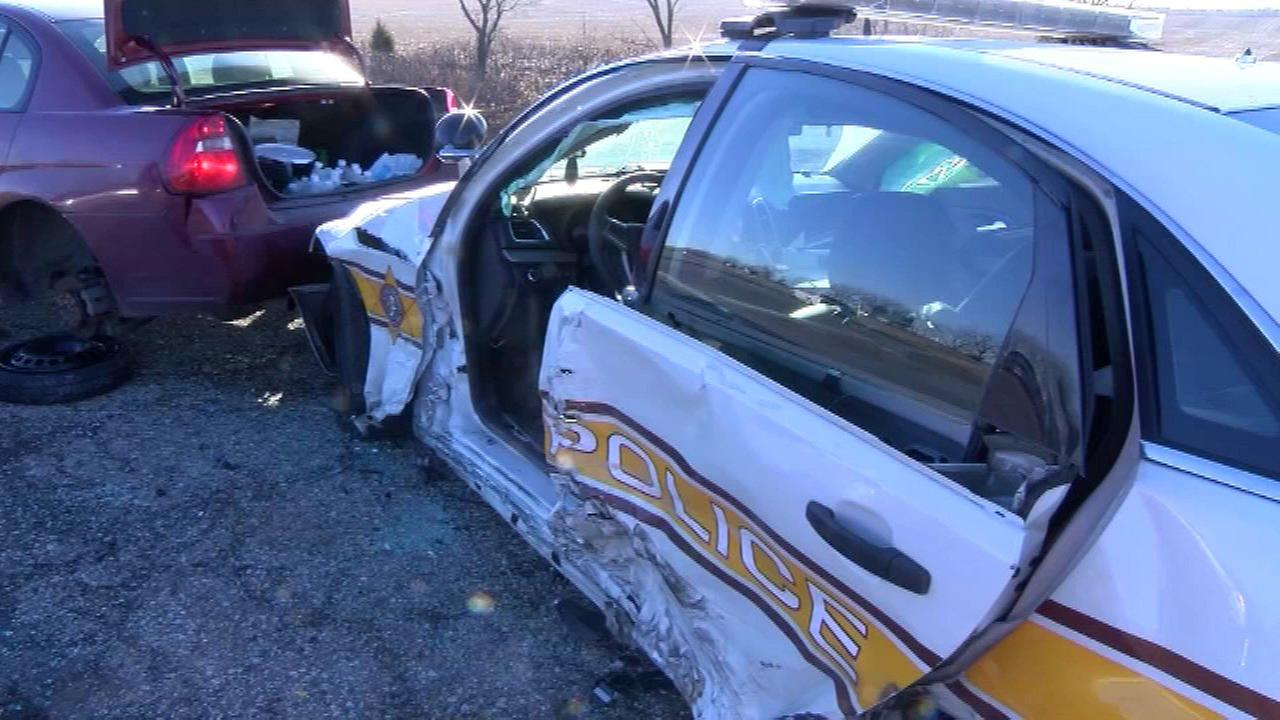 Illinois state trooper's door ripped off by another driver
