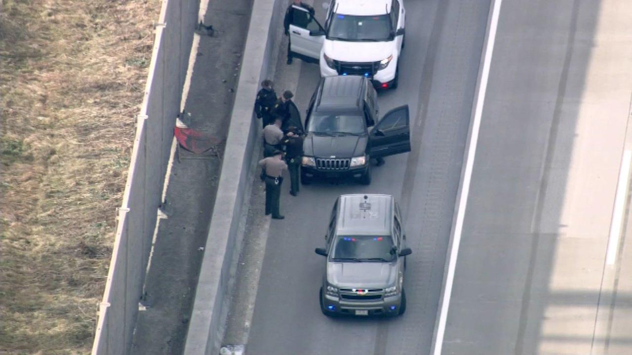 2 mall robbery suspects in custody after tire blows on I-90