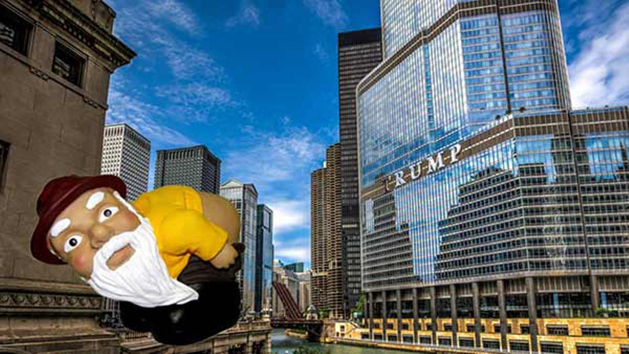 Hundreds of people plan to moon the Chicagos Trump Tower in an attempt to persuade Donald Trump to release his tax returns.