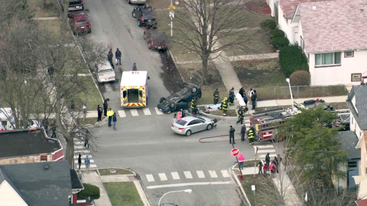 1 injured in Austin rollover crash