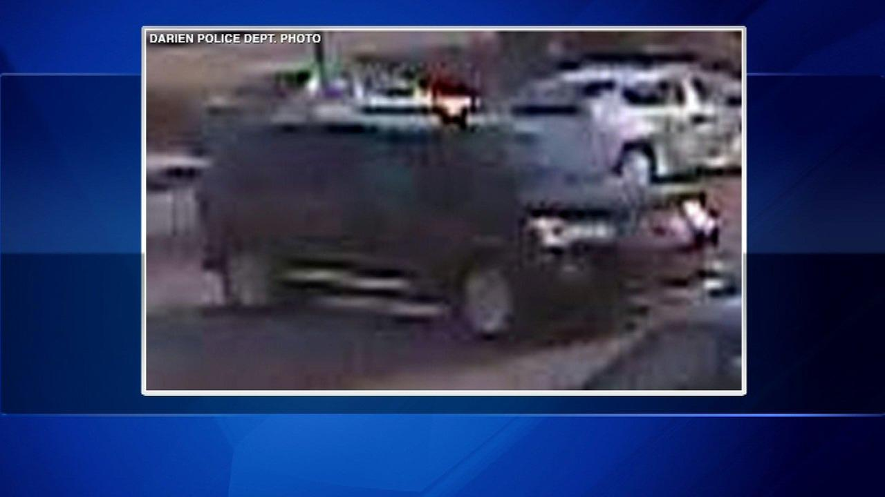 Darien police warn parents after daycare parking lot smash and grabs