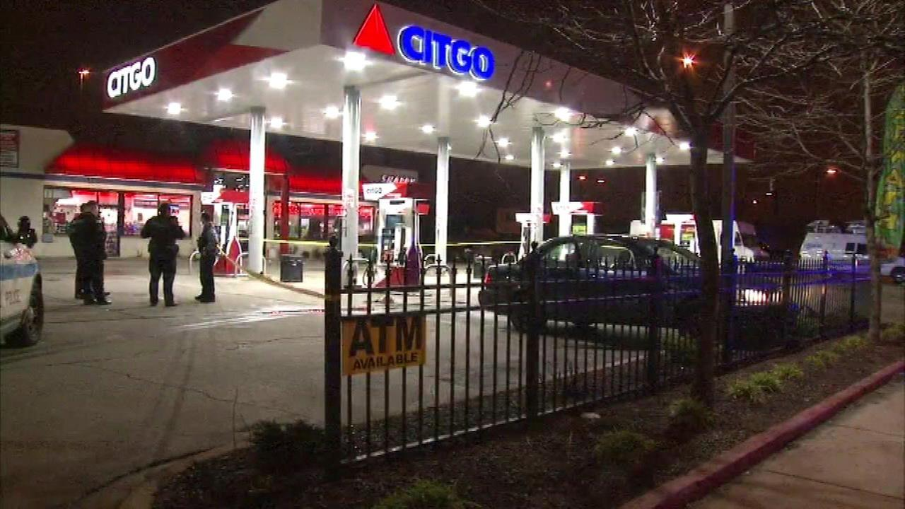 Man found shot at Citgo gas station in Brighton Park
