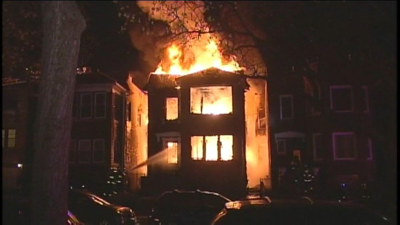Albany Park fire spreads from building under construction to nearby homes