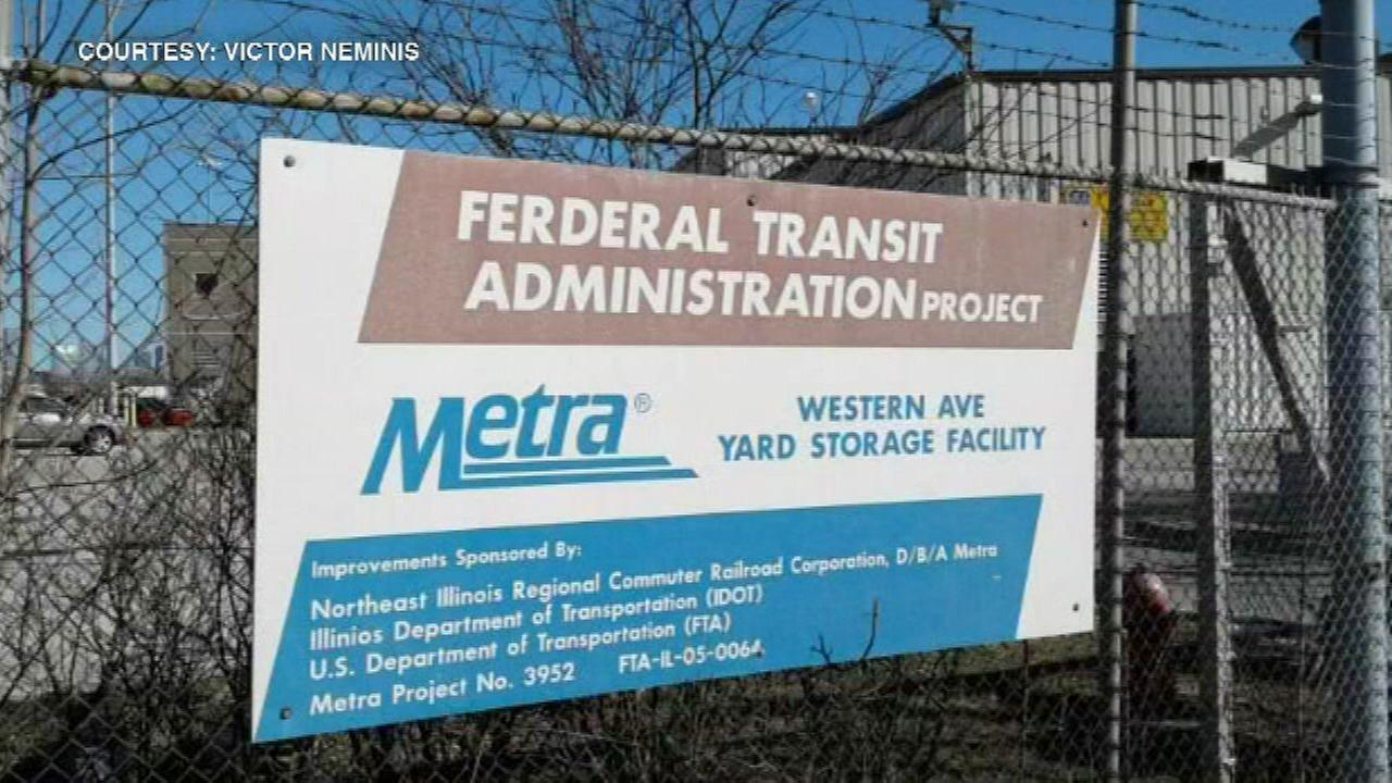 Something's wrong with this Metra sign