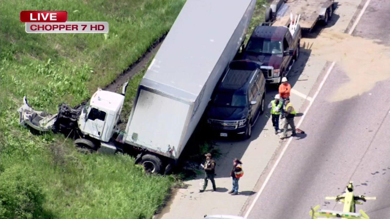 NB I-55 reopens near Willow Springs Rd. after crash