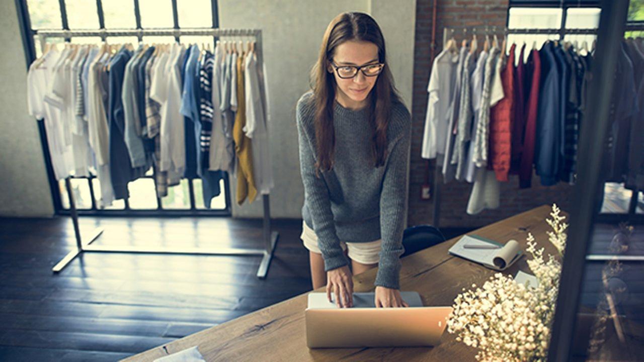 Sales associate most common job for college grads, Glassdoor says