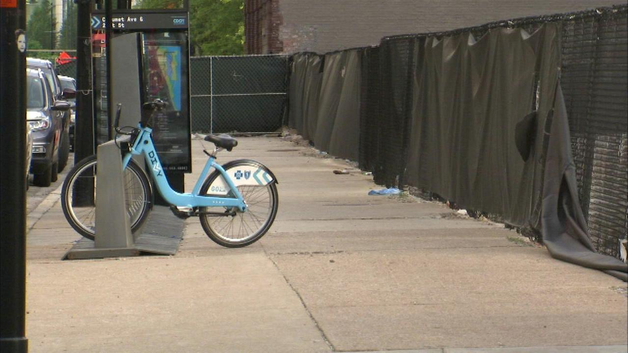 Woman on bike attacked, robbed in South Loop