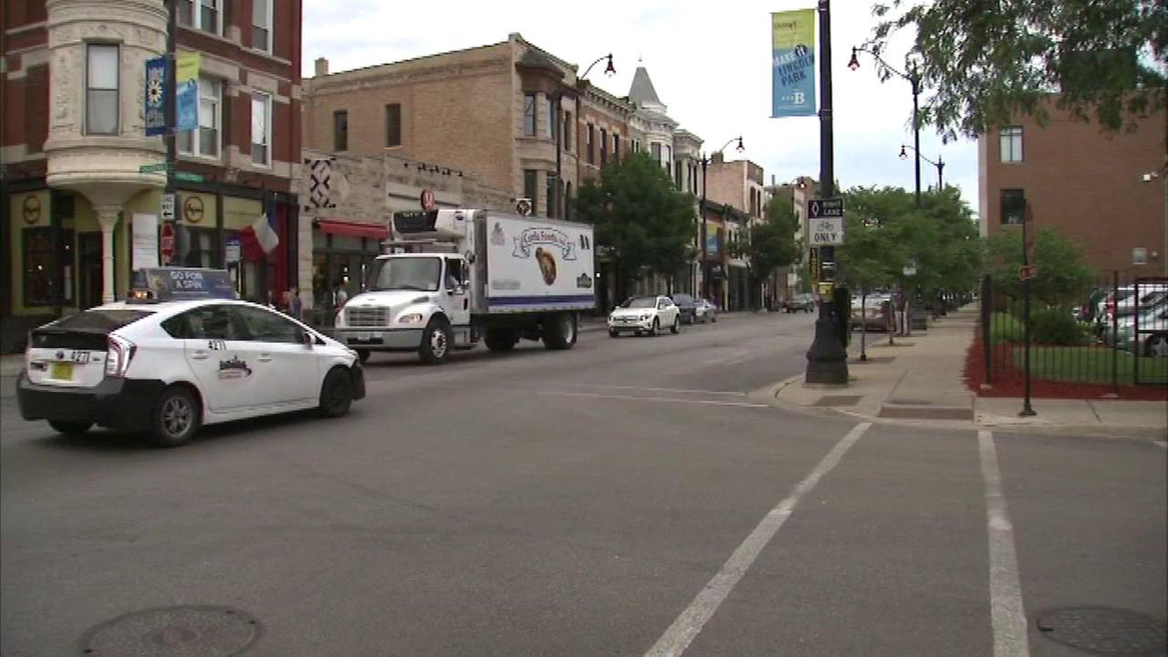 Police: Man tried to lure 14-year-old girl into SUV in Lincoln Park