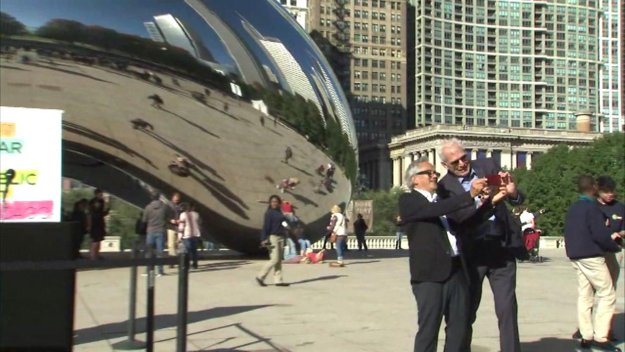 Anish Kapoor, creator of the Chicago landmark known as the Bean, visited his sculpture on Tuesday for the first time since its dedication in 2006.