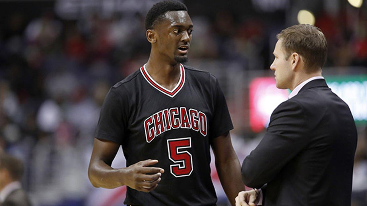 Chicago Bulls forward Bobby Portis talks with Bulls head coach Fred Hoiberg during the second half of an NBA basketball game against the Washington Wizards, Friday, March 17, 2017.