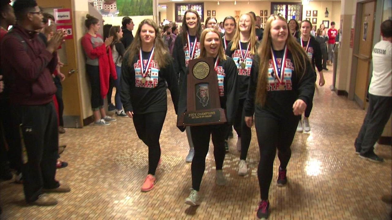 Chicagos Marist HS wins girls volleyball state championship