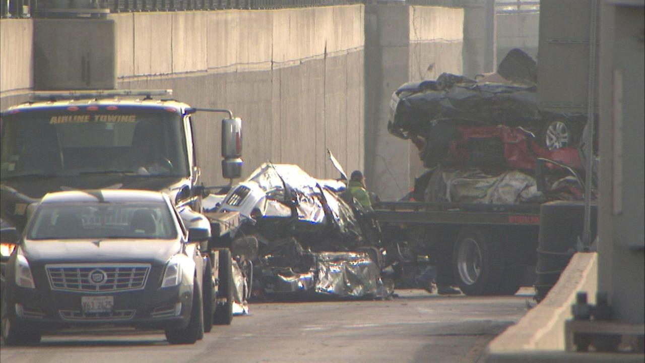 Truck carrying crushed cars loses load on Dan Ryan near 47th Street