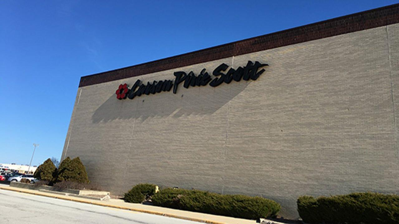The Carsons Pirie Scott location in Matteson abruptly closed Sunday.