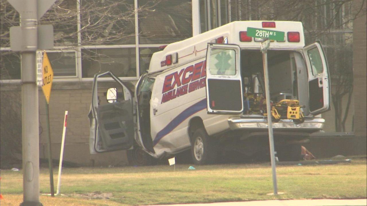 3 dead in Bellwood ambulance crash