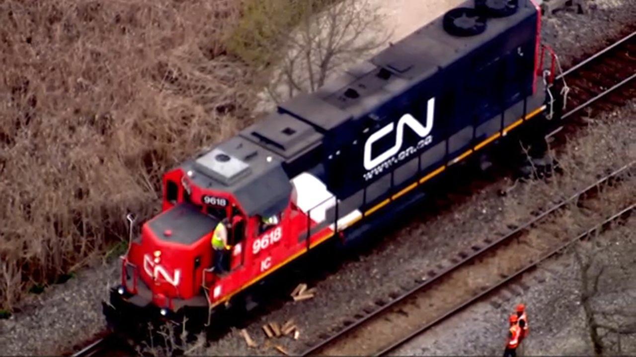 Metra North Central Service impacted by derailment near Mundelein