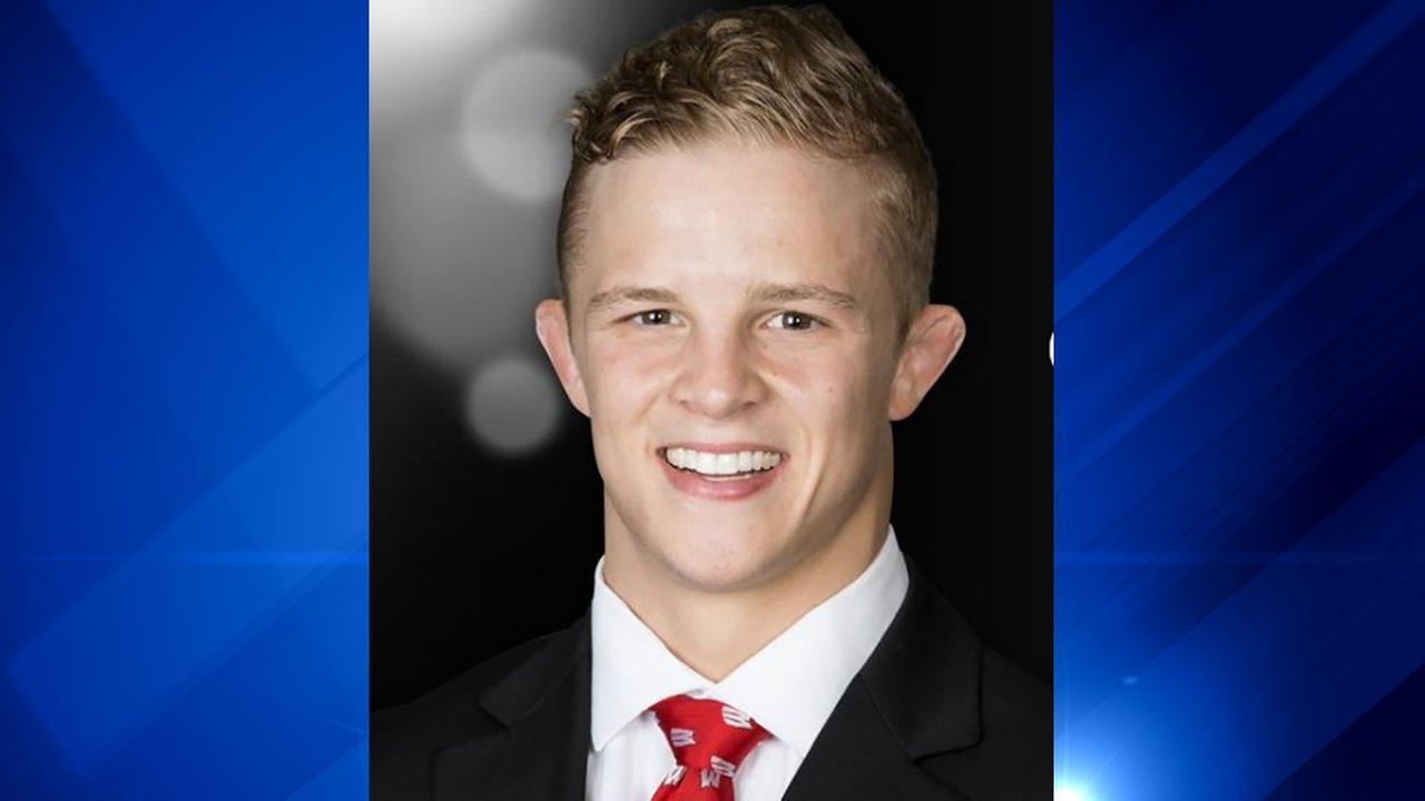 Wisconsin Badgers wrestler killed in Illinois vehicle crash