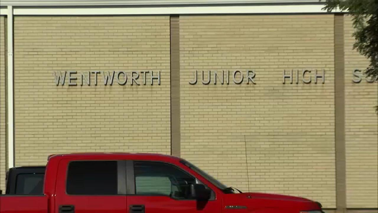 Calumet City junior high school to reopen Monday, mold cleaned up