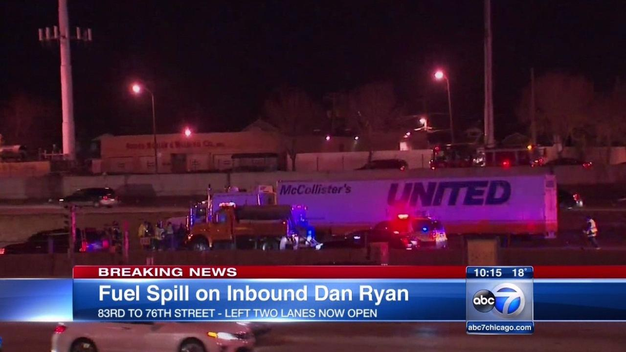 Truck leaking fuel slows inbound Dan Ryan