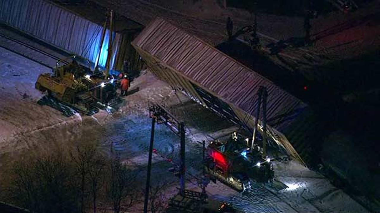 Freight train derails in Cicero