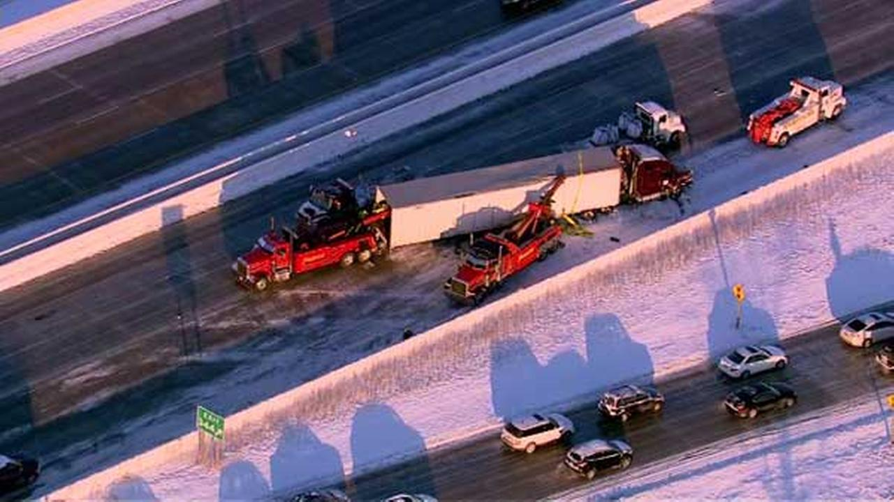 All lanes of NB I-94 at Hwy 50 re-open after semi crash near Kenosha