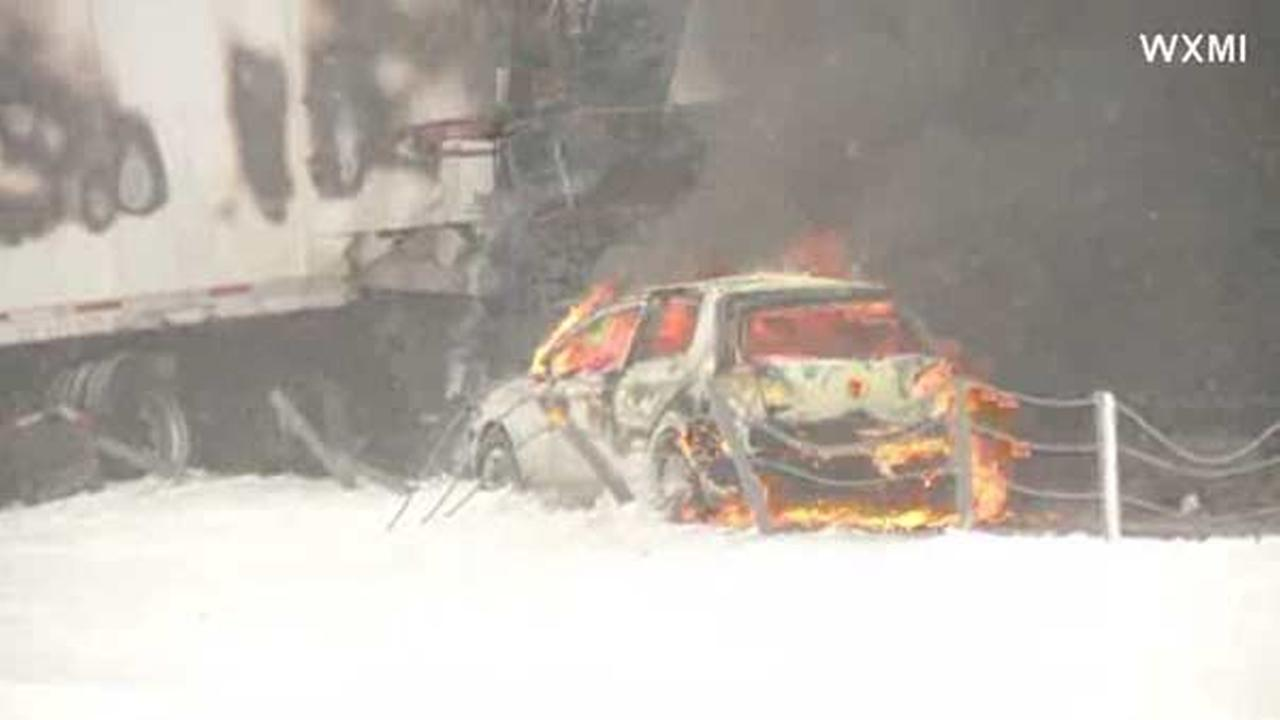 Michigan 90-vehicle pileup on I-94 leaves 1 dead