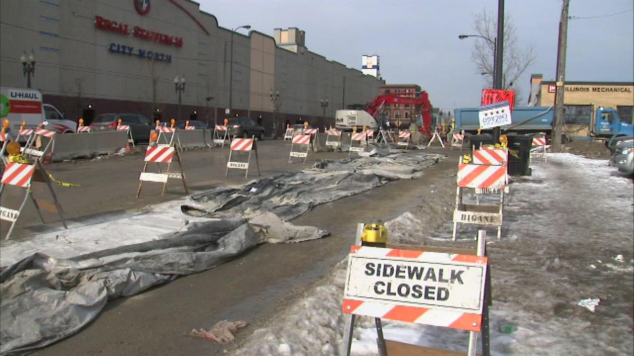Rolling lane closures as new Western Ave. water main installed