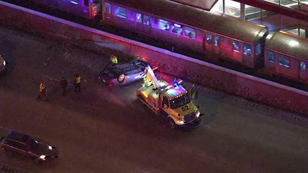 Car lands on roof in rollover crash on IB Dan Ryan near 35th Street