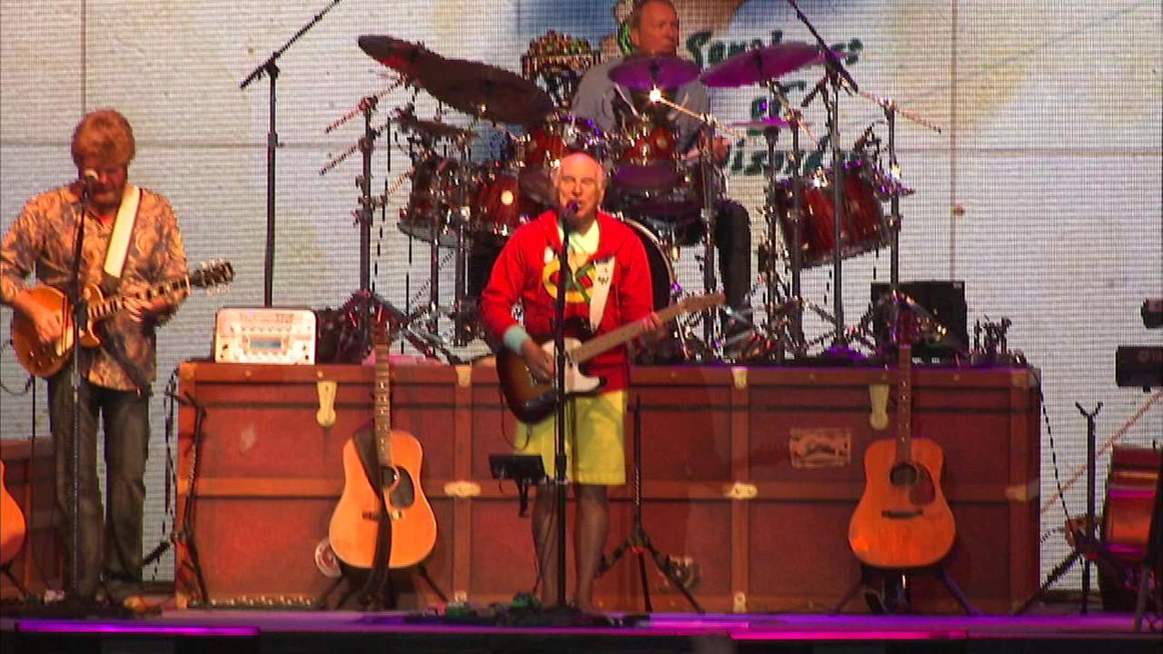 Jimmy Buffett returns to Chicago for June concert