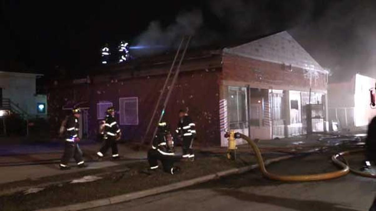 No injuries in Harvey barber shop fire