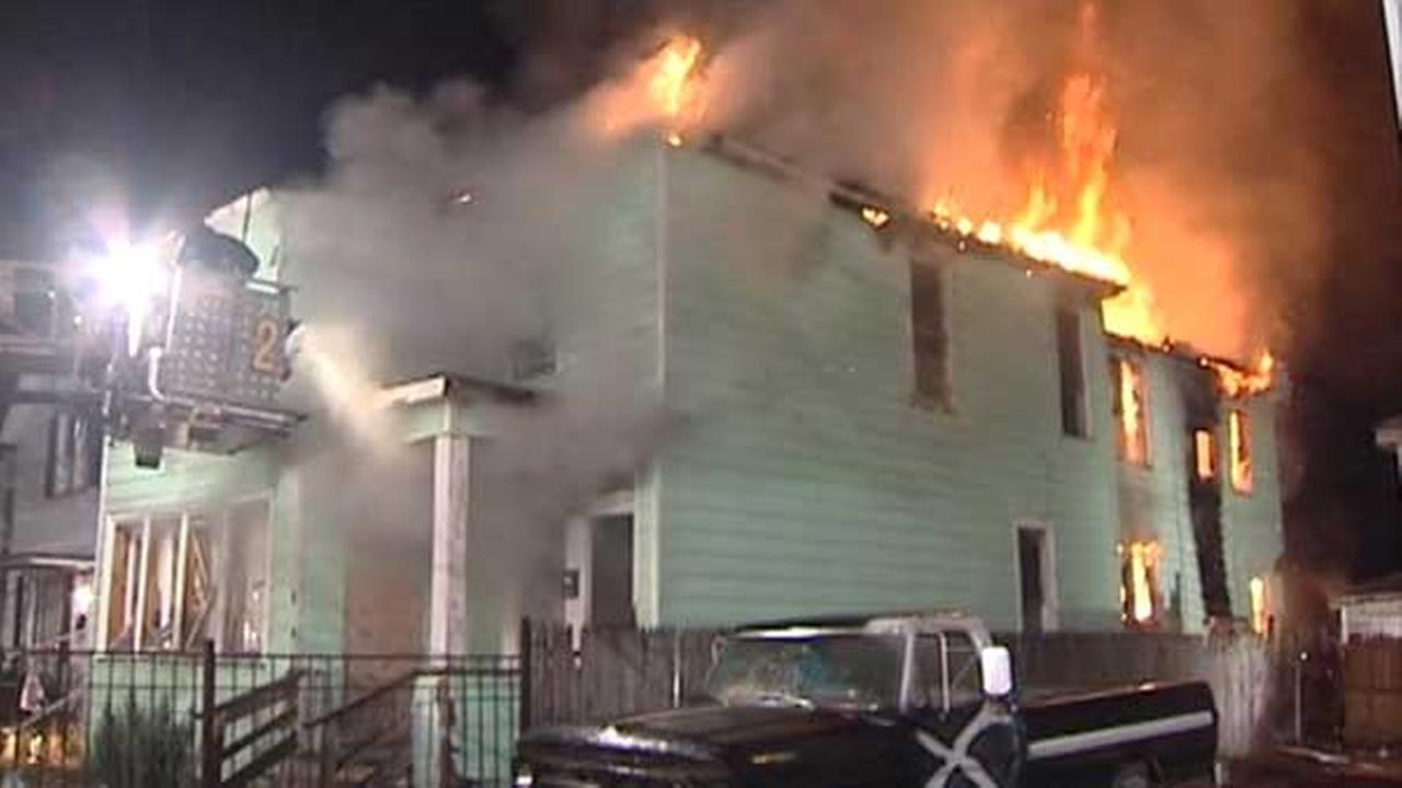 Fire destroys vacant home in Harvey