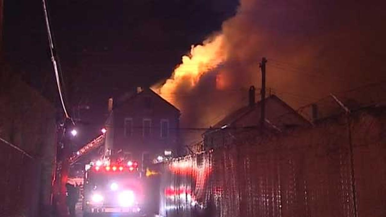 Firefighter injured in extra-alarm fire in Pilsen