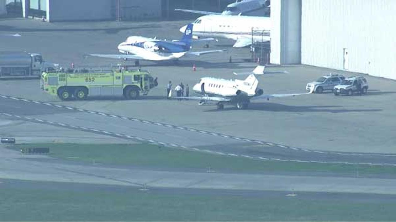 Small plane evacuated at Midway due to smoke in cockpit