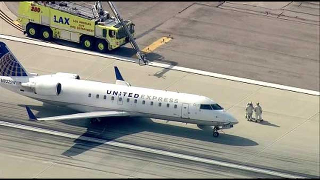 United Express jet makes emergency landing at LAX