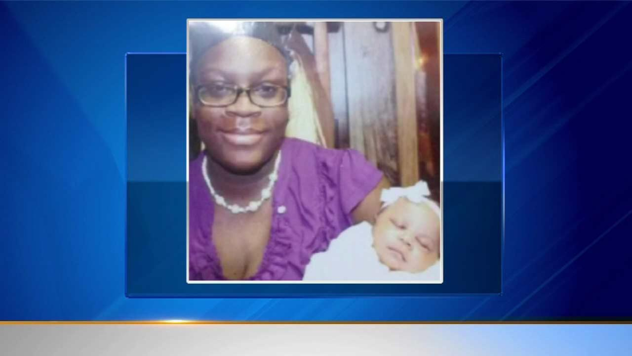 Mom, 19, and infant missing a week from Chicago