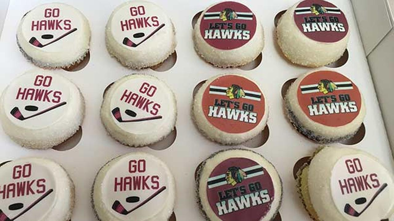 SWEET VICTORY: Magnolia offers Blackhawks cupcakes