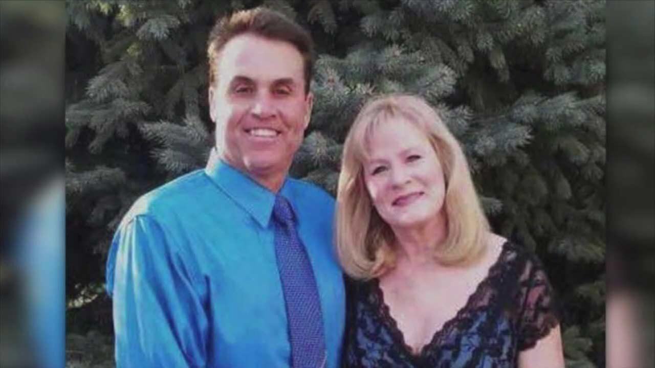 Harold Henthorn, wife Toni Henthorn