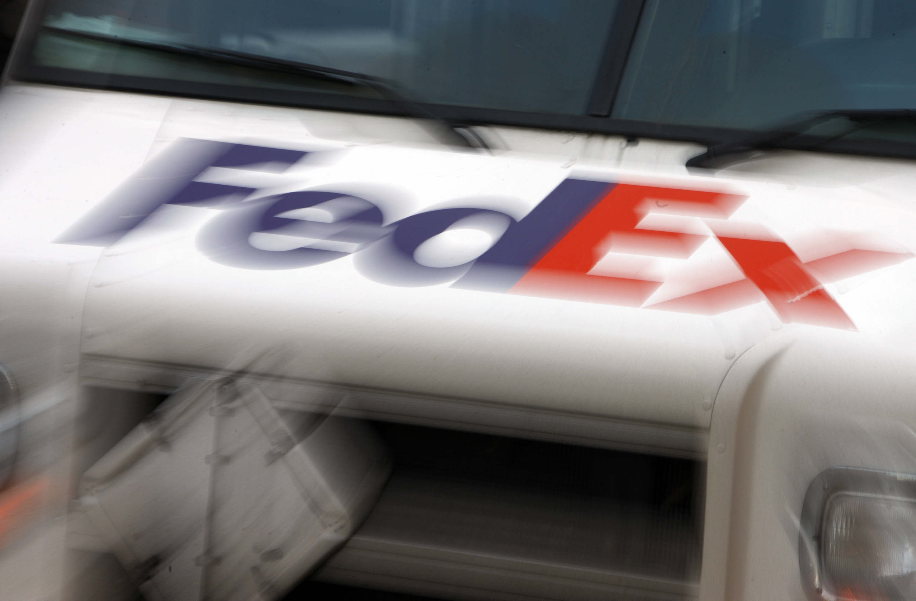 FedEx driver fatally punches man yelling racial slurs