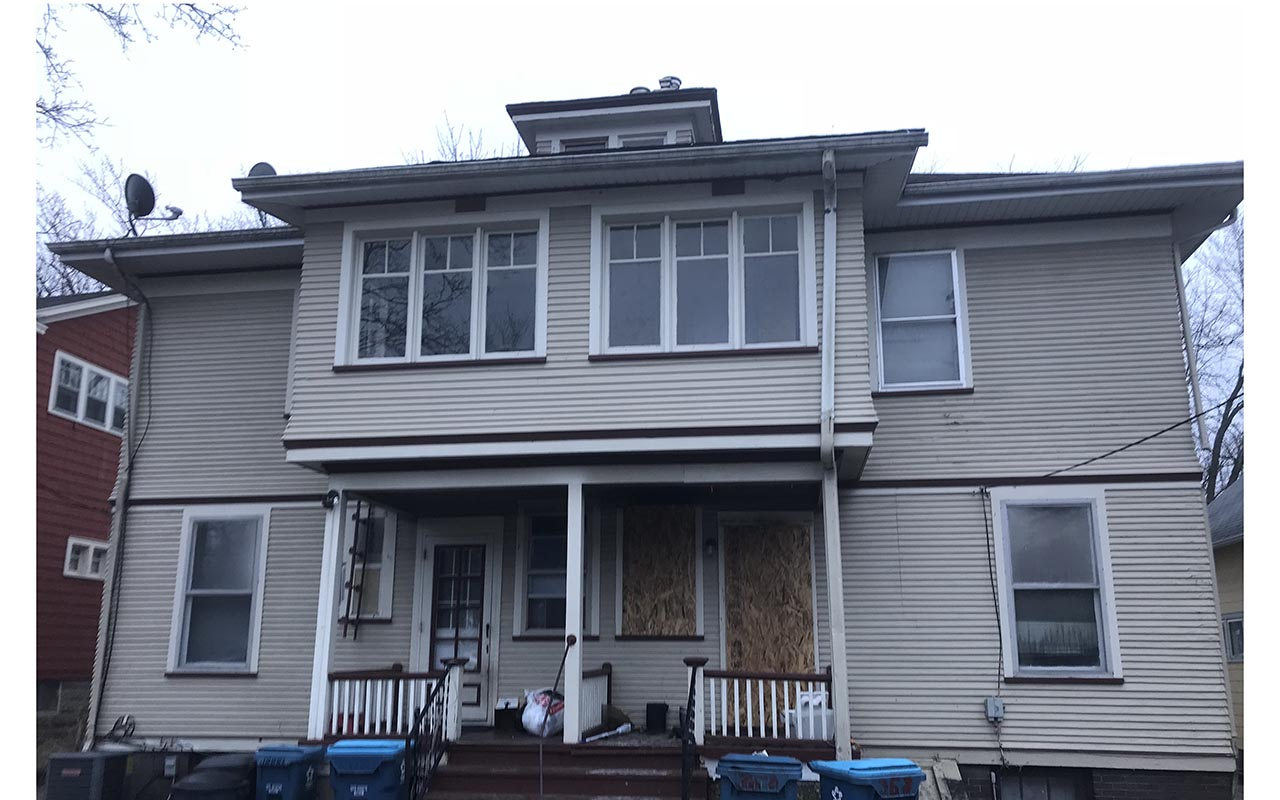 A structure in the 300 block of South Avenue caught fire early Sunday morning.