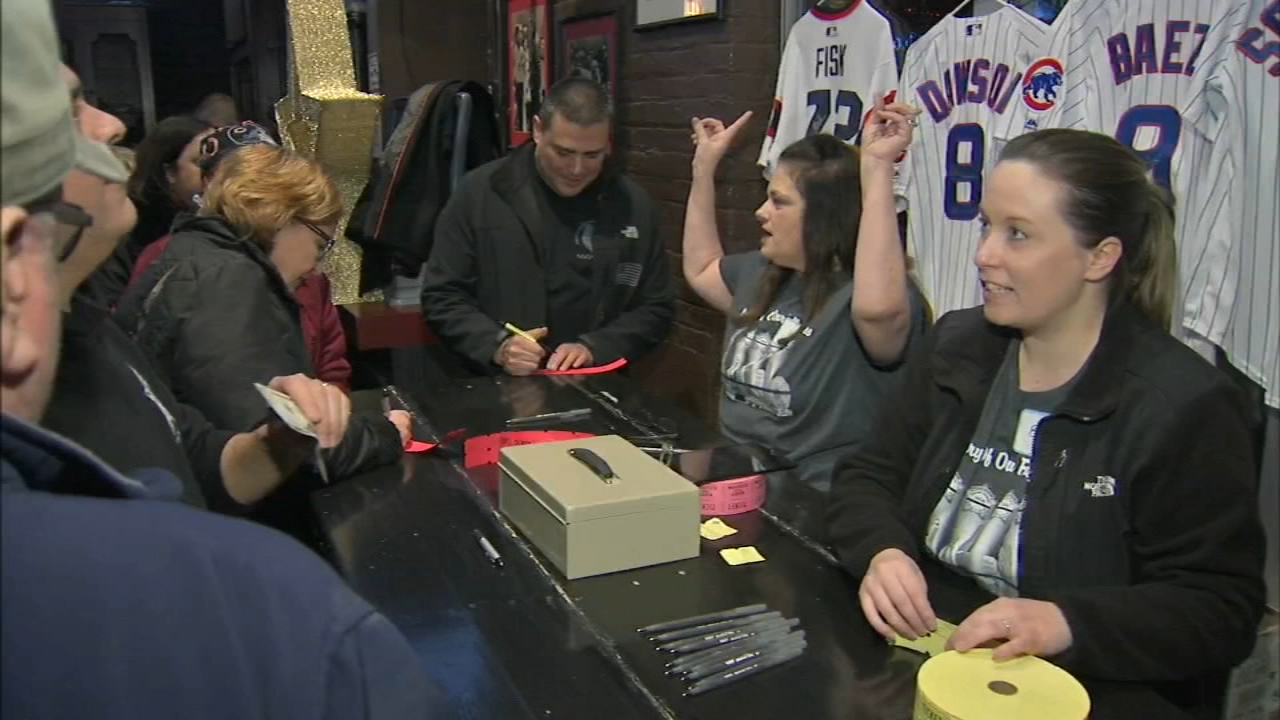 A Wednesday evening fundraiser on the citys Near North Side directly benefited the family of three Chicago police officers who were recently killed in the line of duty.