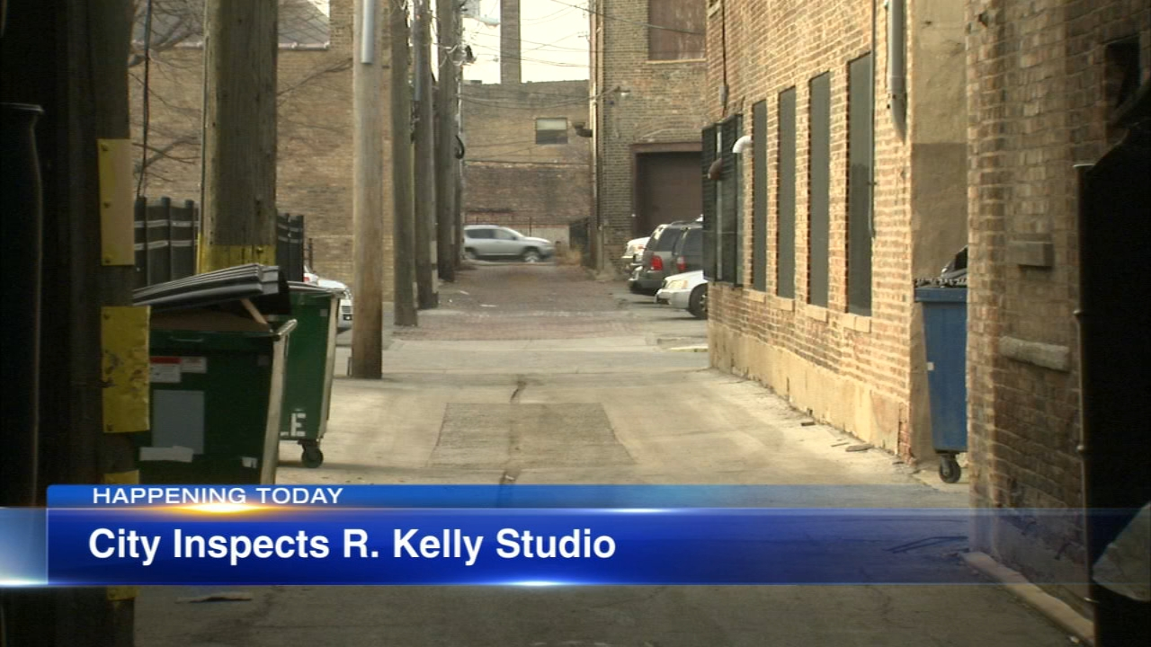 City inspectors are expected to enter R. Kellys recording studio in the West Loop on Wednesday.