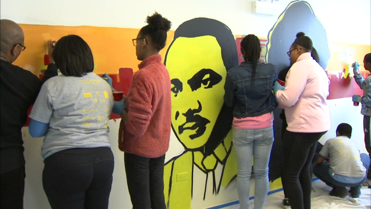 Volunteers painted a mural at a youth center in Chicagos Bronzeville neighborhood on MLK Day.