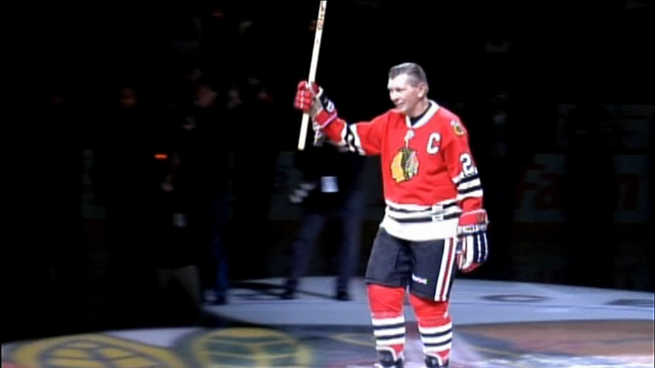 Hundreds attended a public visitation for former Blackhawks player Stan Mikita, who died Aug. 7, 2018 at the age of 78.