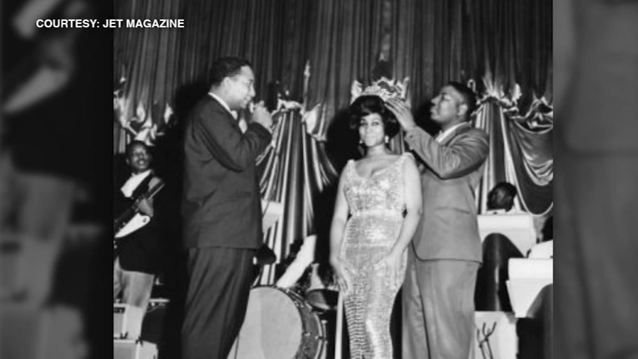 Aretha Franklin frequently visited the city of Chicago with her father, a powerful pastor who was part of the Civil Rights Movement, and before long Chicagoans noticed her talent.