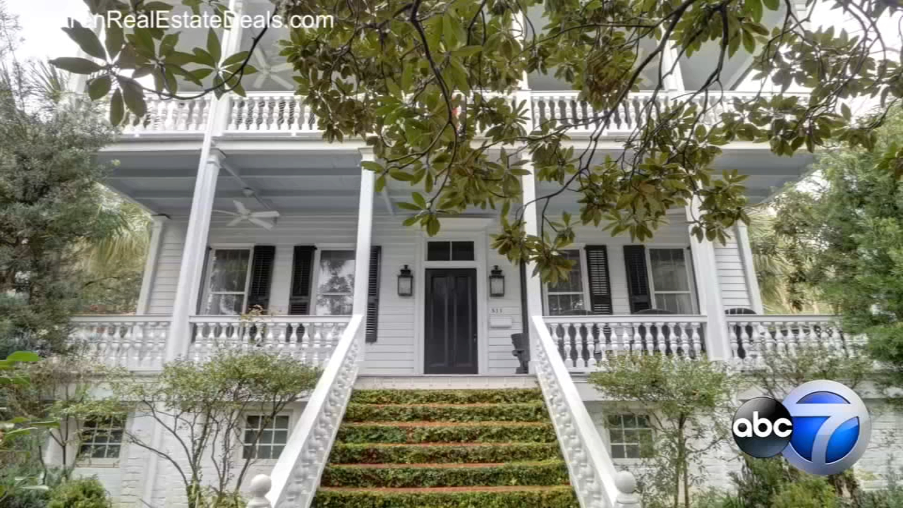 A southern plantation house in Beaufort, South Carolina that was named ?HGTV?s Favorite Historic Home? in 2018 is for sale.