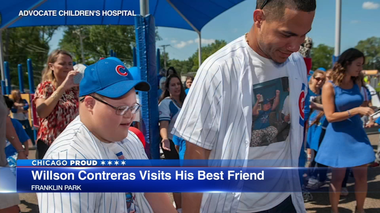 Chicago Cubs catcher Willson Contreras surprised 11-year-old Daniel Rodriguez and his classmates at Enger School in west suburban Franklin Park on Thursday.