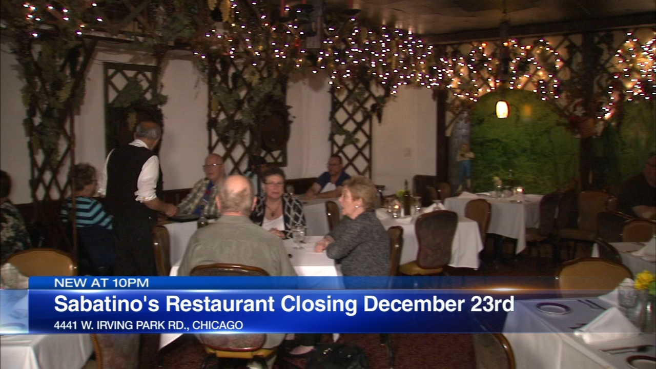 The Italian restaurant on Irving Park Road known for strolling musicians and old school white tablecloth service will serve its last steak Diane on December 23.