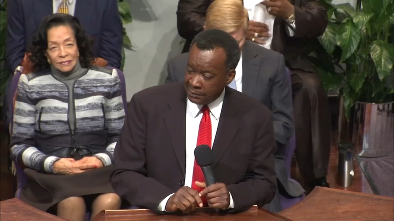 Mayoral candidate Dr. Willie Wilson was exonerated Friday after a cash giveaway in July was questioned by the Illinois Campaign for Political Reform.