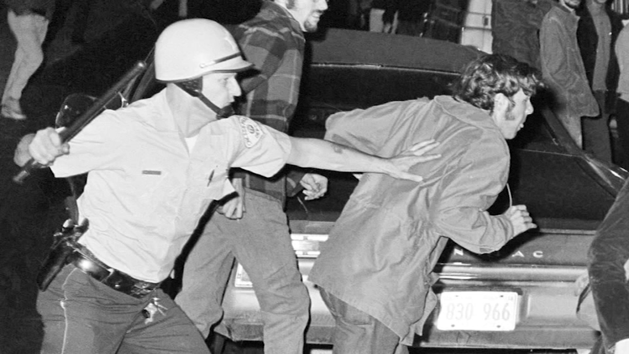 Two longtime Chicago political activists shared memories of one of the most infamous weeks in Chicago history 50 years later.