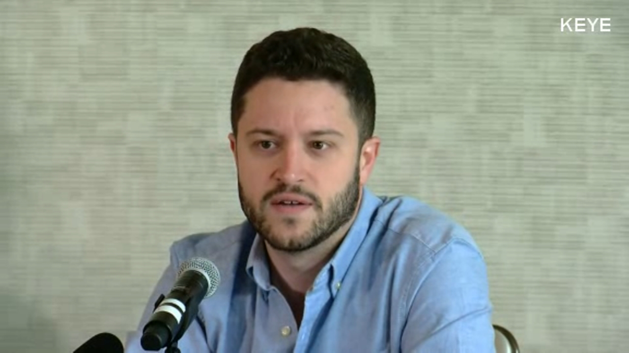 Cody Wilson, the owner of a company that builds 3D-printed guns said he has begun selling blueprints of the weapons to elude a court order on Monday.
